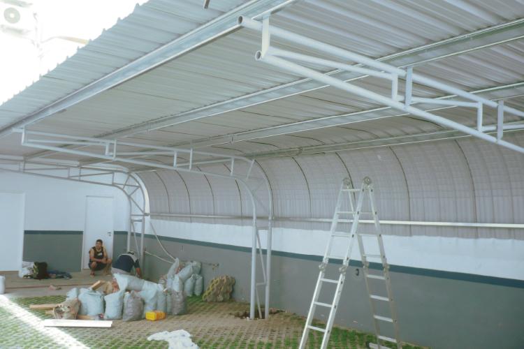 Curvin cubre cochera condor for Modelos de gibson para techos